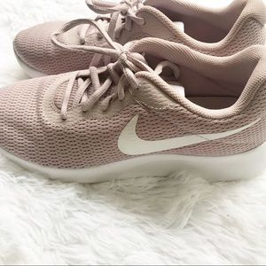 Nike Blush Pink Sneakers 8.5 Tennis Shoes